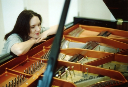 Isabel & her prepared piano, 2001